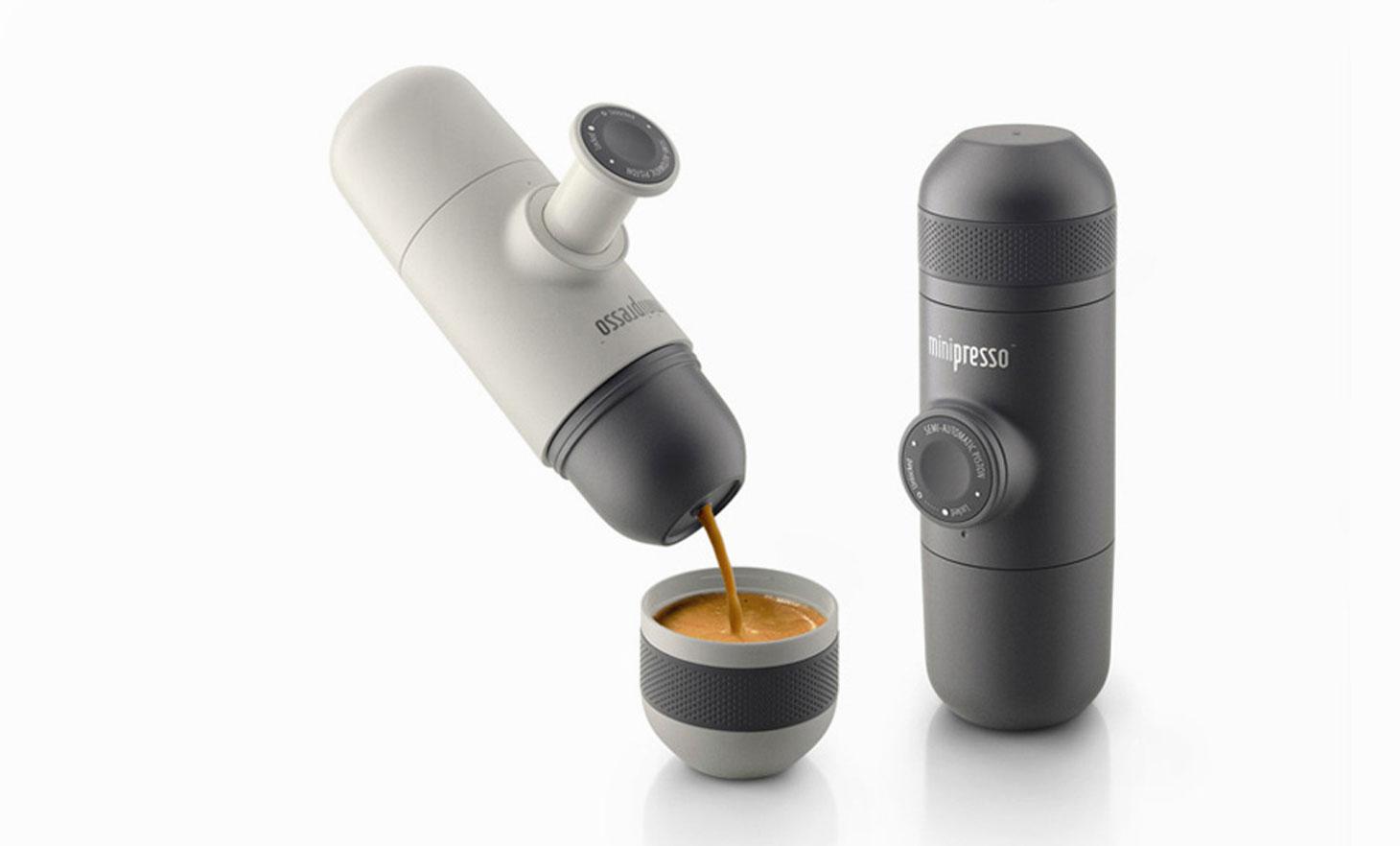 espresso pod ręką